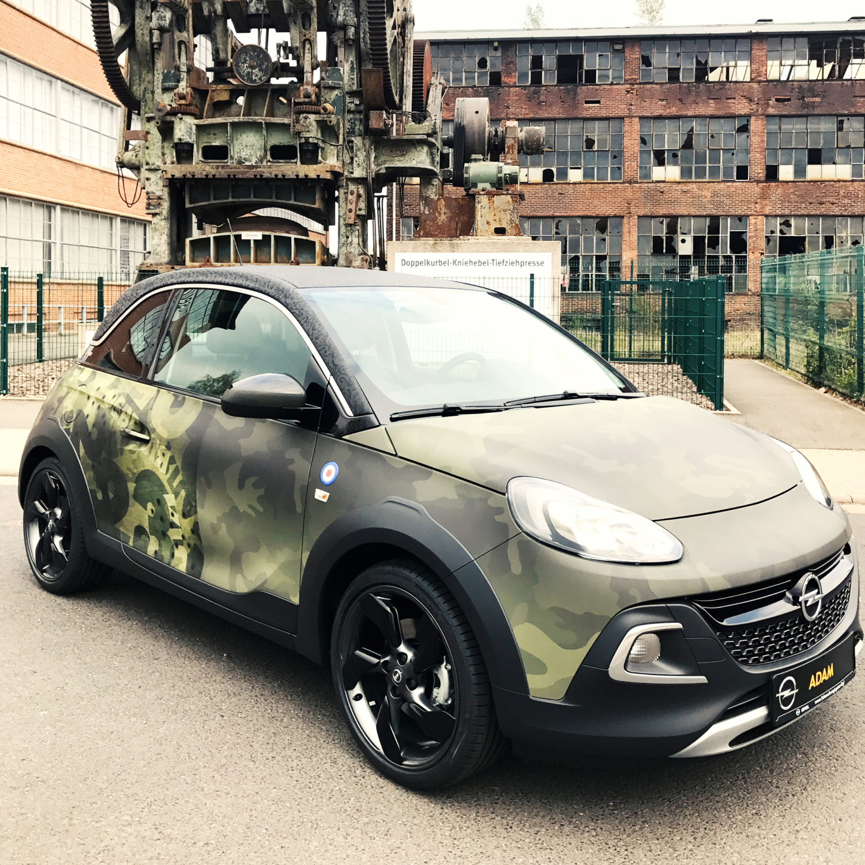 Opel Adam Autofolierung Design Folie Olive Force Frontansicht