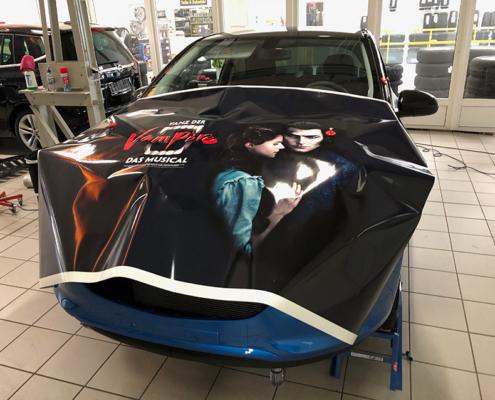 Opel Adam Tanz der Vampire Haube