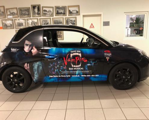 Opel Adam Tanz der Vampire Seitenansicht foliert